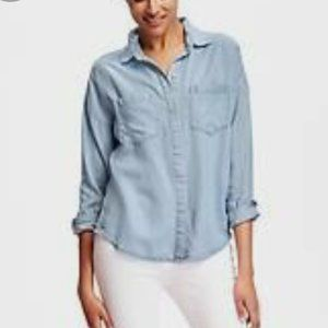 Old Navy Boyfriend Button Up Shirt Med Chambray O4